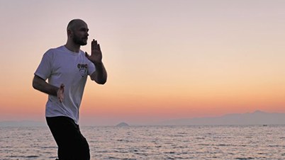 Sifu E. Zimmermann, WingTczun training of the Saam Paai Fut form – Bodrum/ Turkey, 2013